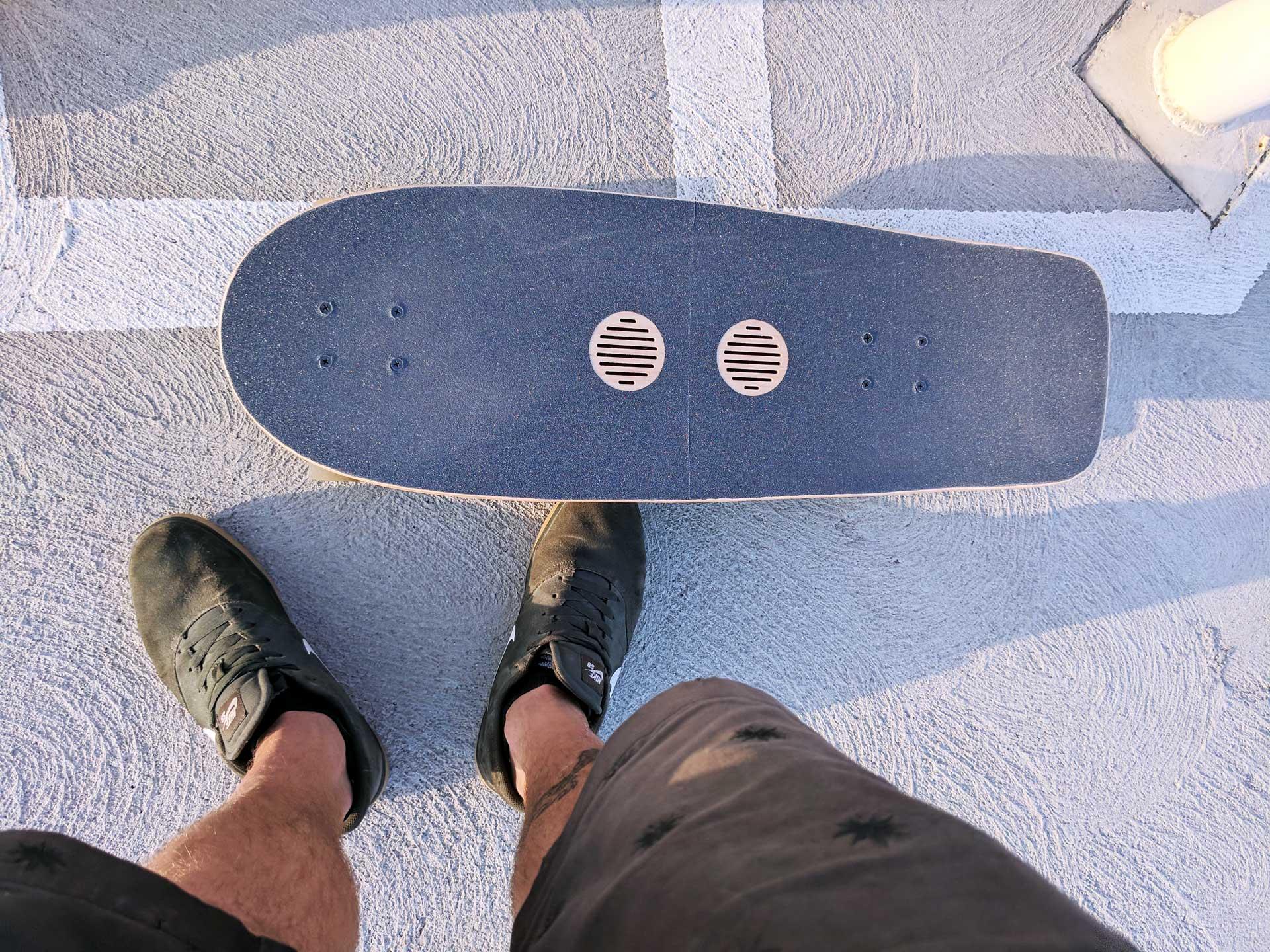 Speaker Skateboard